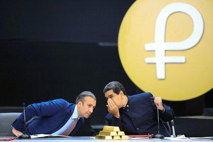 Junto a Nicolás Maduro (REUTERS/Marco Bello)
