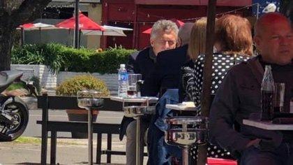 Macri almuerza sin custodia a la vista en un restaurante de Acassuso