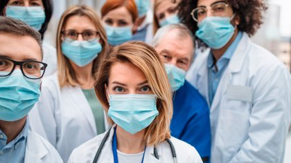 Según Medscape el 40% de los residentes de EE.UU. recibieron capacitaciones para atender a pacientes con coronavirus  (Shutterstock)