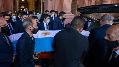 El féretro fue cubierto con una bandera argentina (Presidencia)