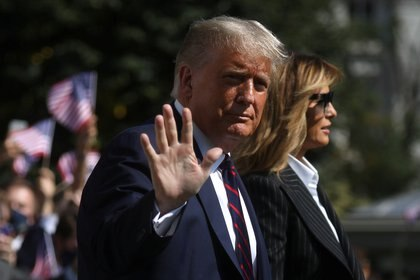 Donald Trump y Melania (REUTERS/Leah Millis)