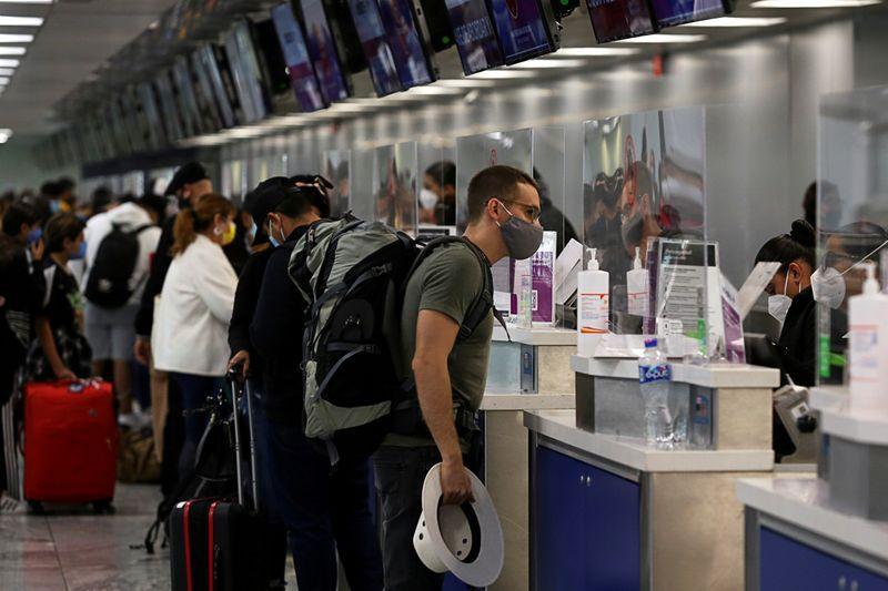 Israel restringió la entrada de personas provenientes de México por COVID-19 (Foto: Fernando Carranza/Reuters)