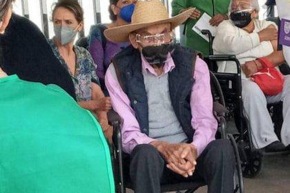 Más de diez años han pasado desde la última vez que se le vio en público al expresidente Luis Echeverria.  Fotos: @lopezdoriga/Twitter