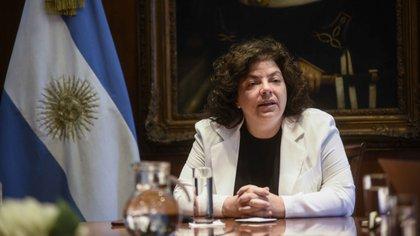 """La ministra Vizzotti destacó que esa entidad """"es un ámbito que tiene muchísimo prestigio, son expertos independientes, representan sociedades científicas y áreas técnicas de las regiones del país"""" (Presidencia)"""