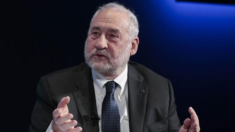 Joseph Stiglitz, el Nobel que apadrina al ministro Guzmán