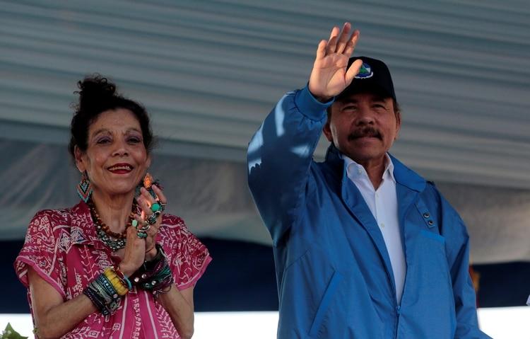 Daniel Ortega y Rosario Murillo, presidente y vicepresidenta de Nicaragua (REUTERS/Oswaldo Rivas)