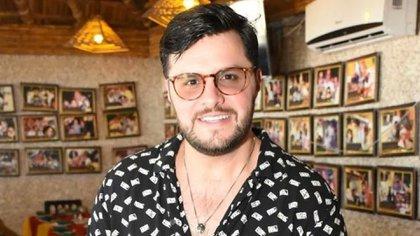 El comediante forma parte del extenso grupo de conductores de Televisa que dieron positivo a la enfermedad (Foto: Instagram @paulstanleyd)