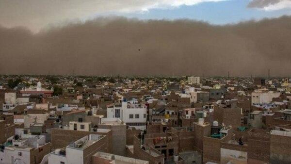 Grandes eventos atmosféricos y desastres naturales - Página 4 India-tormenta-de-arena