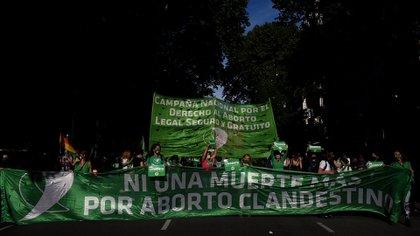 """""""Ni una muerte más por aborto clandestino"""" (Nicolás Stulberg)"""