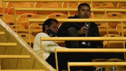Riquelme también vive horas de tensión interna en la dirigencia de Boca