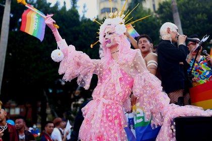Una drag queen desfilando en Taipei (Reuters)