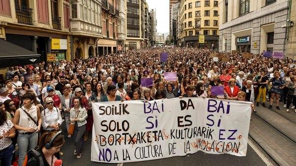 """""""No a la cultura de la violación"""", decía una de las pancartas de las movilizaciones españolas del viernes (EFE)"""