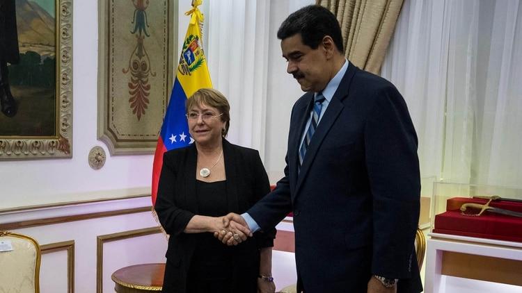 Michelle Bachelet fue recibida por Nicolás Maduro en el Palacio de Miraflores (EFE)
