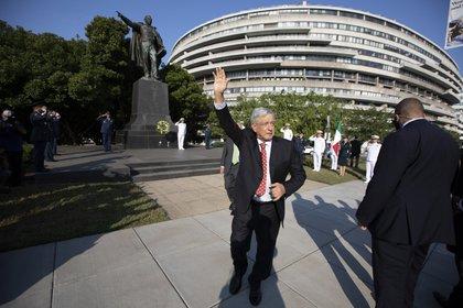 Washington, DC, Estados Unidos. 8 de julio de 2020. Andrés Manuel López Obrador, Presidente de México encabeza las Ceremonias de depósito de ofrendas florales en los Monumentos a Abraham Lincoln y  Benito Juárez.  Foto:Presidencia