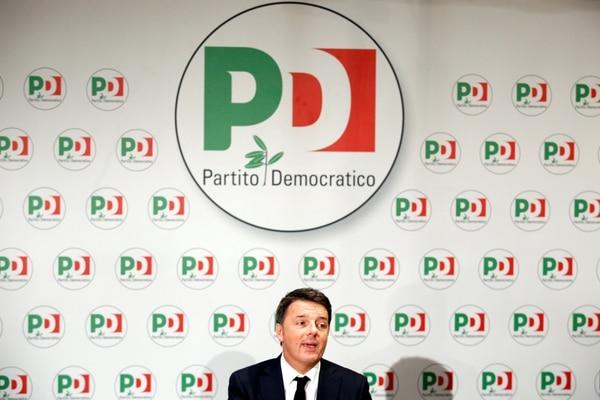 Renzi anunció su renuncia como secretario del Parido Democrático (REUTERS/Remo Casilli)