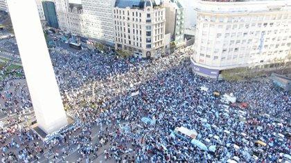 El Obelisco porteño es el epicentro de la protesta