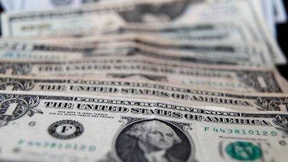 Jornada financiera: el dólar libre subió a $144 mientras que el BCRA volvió a comprar y acumula USD 3.400 millones en el año