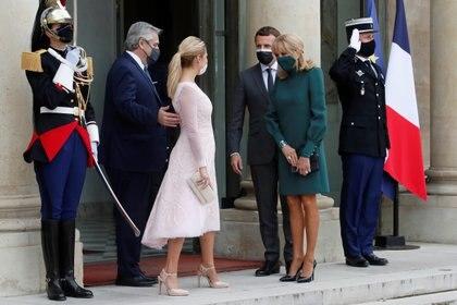 Alberto Fernández y la primera dama, Fabiola Yáñez, junto a Emmanuel y Brigitte Macron