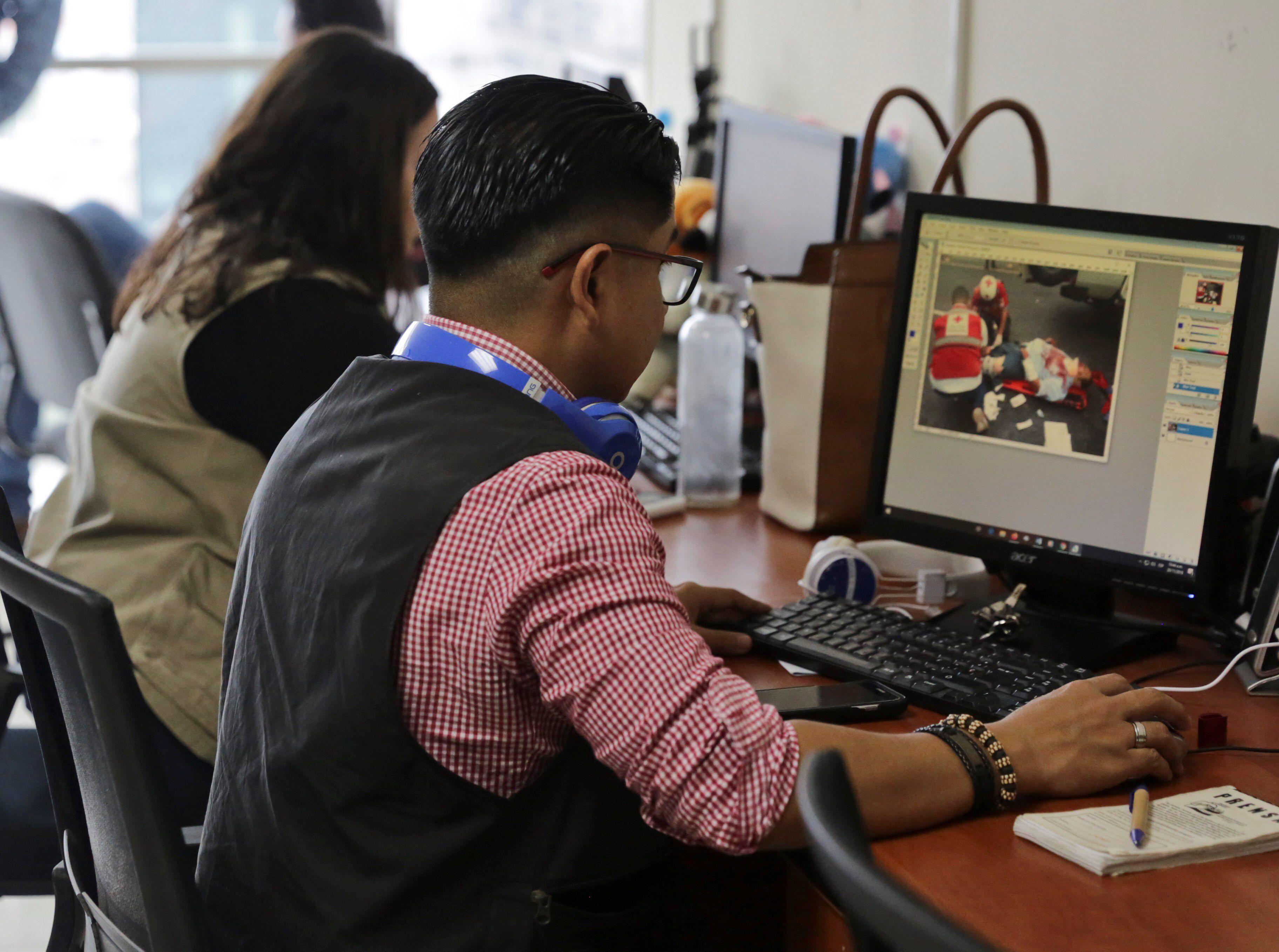En la imagen la sala de redacción del diario Proceso Digital en Tegucigalpa (Honduras). EFE/ Gustavo Amador /Archivo