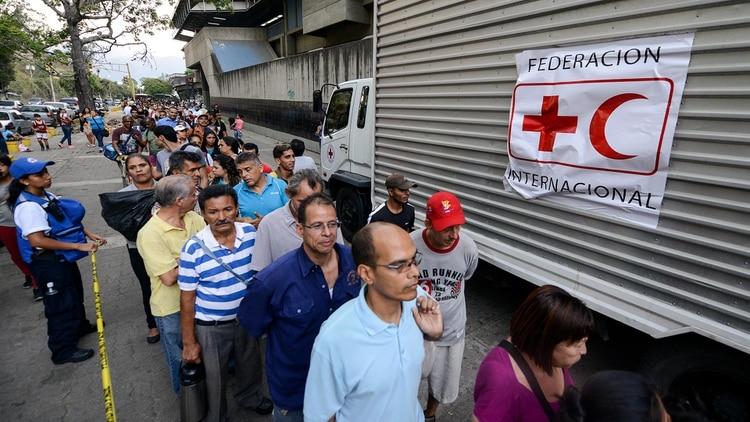 El FMI presentó un panorama negro para Venezuela: el PIB caería por un 35% este año.(AFP)