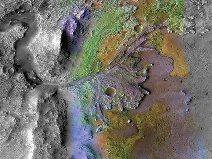 Esta imagen del cráter Jezero, el lugar de aterrizaje del Mars Perseverance Rover, fue tomada por el Mars Reconnaissance Orbiter de la NASA.  (NASA/JPL-Caltech/MSSS/JHU-APL)