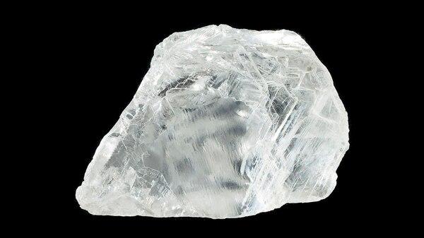 Los diamantes están compuestos de carbón y formados bajo una alta presión y a temperaturas extremas, en la profundidad de la Tierra