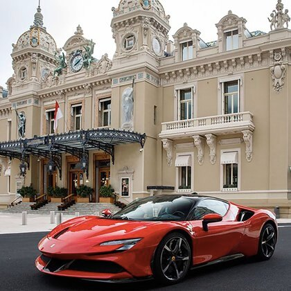 La Stradale en Mónaco. A falta de la Fórmula 1, Ferrari puso la música
