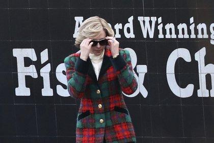 """Se filtraron imágenes de """"Spencer"""", el filme en el que Kristen Stewart interpreta a la princesa Diana"""