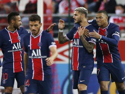 Icardi convirtió un doblete en la tercera victoria consecutiva del PSG