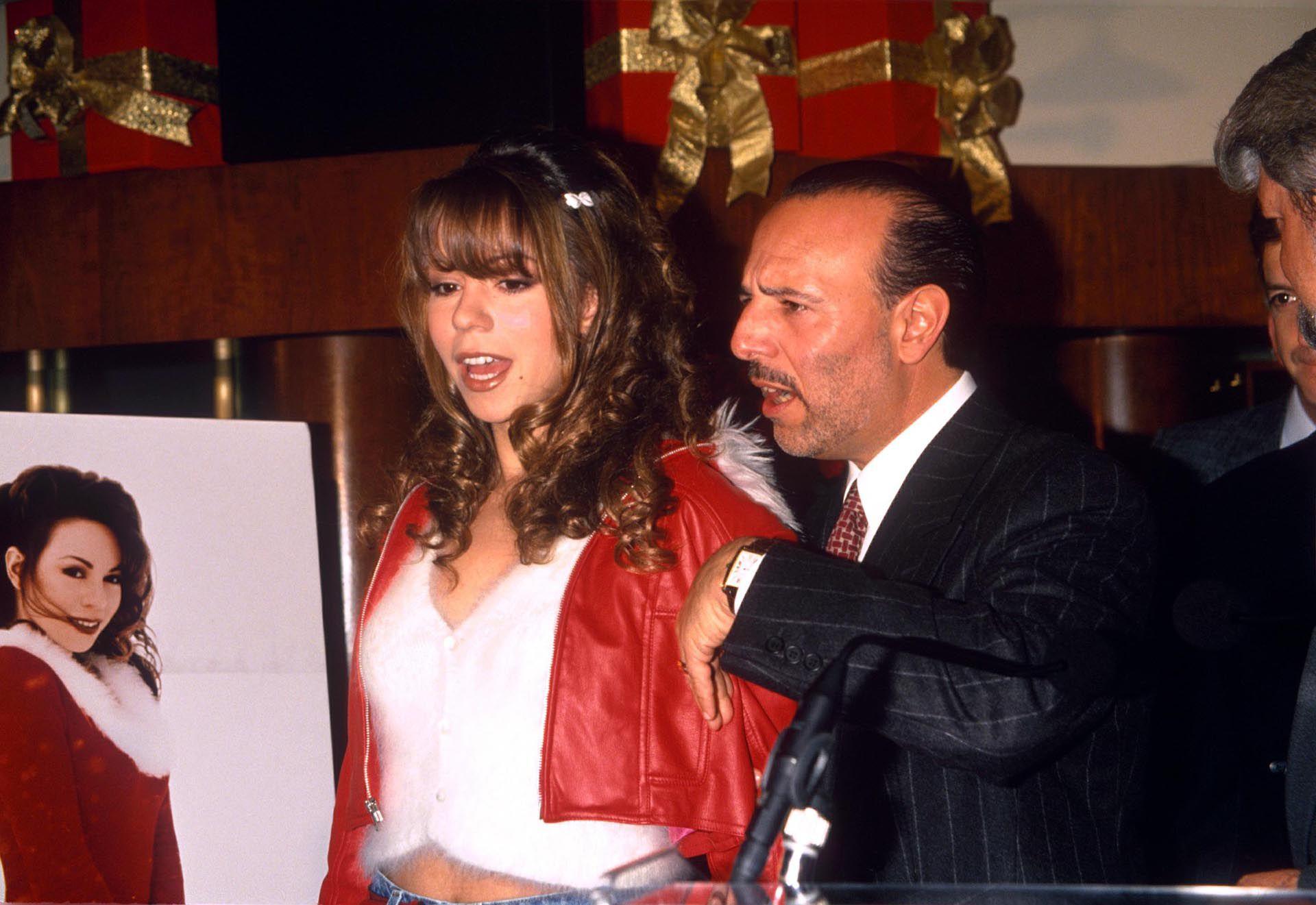 Mariah Carey con Tommy Mottola en 1994 (Crédito: Shutterstock)