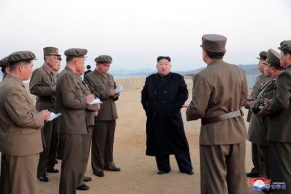 """Según reveló un agente de inteligencia de Reino Unido, el dictador busca """"que todo el mundo sepa que están en riesgo de sufrir una muerte muy desagradable"""" si cometen traición (Foto: Korea News Service vía AP)"""