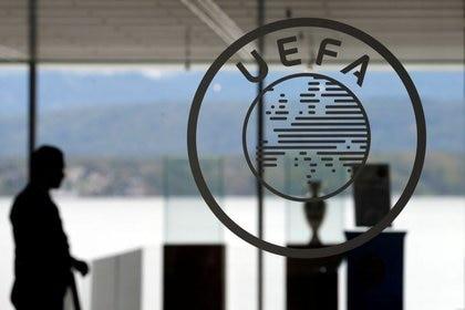 La UEFA insiste a sus 55 federaciones miembro para que terminen sus temporadas (REUTERS)