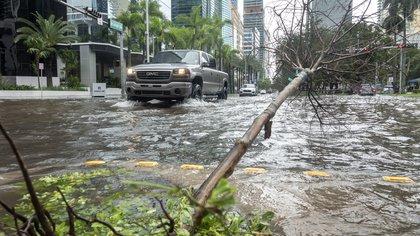 Florida aprobó dos leyes para combatir inundaciones causadas por el cambio climático