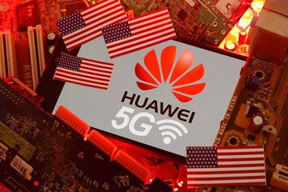 Huawei. REUTERS/Dado Ruvic/Illustration/File Photo
