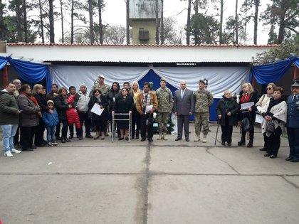 Las autoridades del Ejército junto a los familiares de caídos en Tucumán