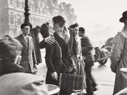 """""""El beso del ayuntamiento"""", de Robert Doisneau"""