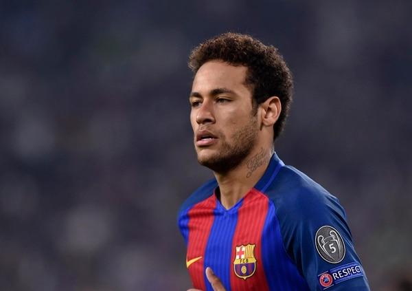 Neymar eligió jugar en el Paris Saint Germain y tuvo una salida turbulenta del Barça (Reuters)
