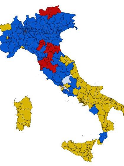 Los resultados de las elecciones: en azul las regiones donde ganó la coalición de centro-derecha; en rojo donde ganó el Partido Democrático; en amarillo las zonas donde prevaleció el Movimiento Cinco Estrellas