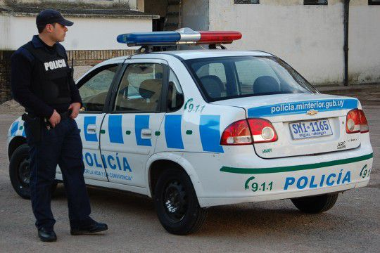 policía uruguay