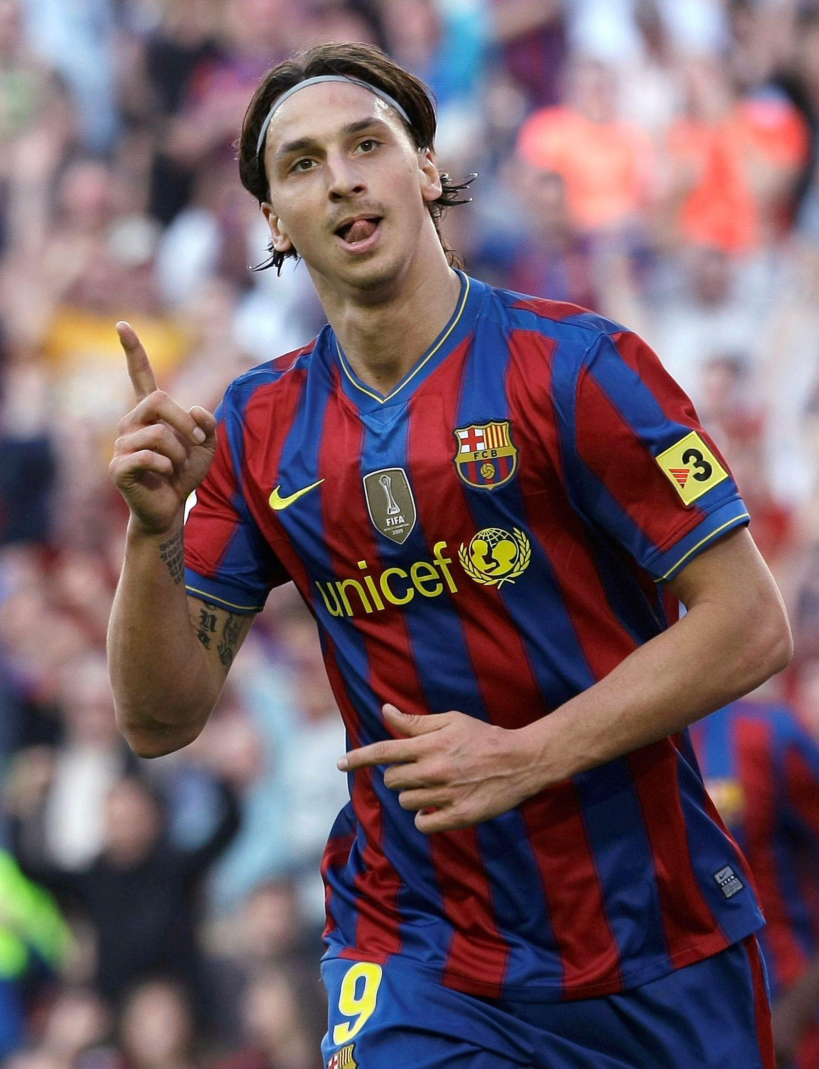 """Cuando estuvo en el Barcelona tuvo problemas con Guardiola a quien llamó """"líder cobarde""""."""