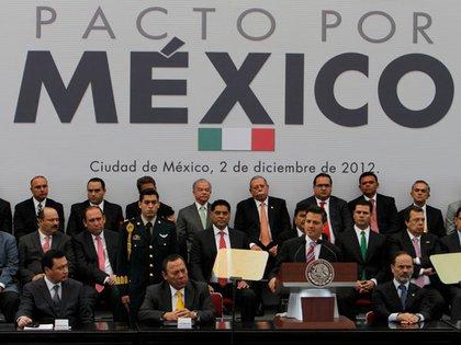 Ceremonia de aprobación de las reformas por el Pacto por México, en 2012 (Foto: AP)