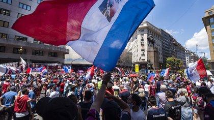 Fanáticos de San Lorenzo frente a la Legislatura Porteña (Foto: Adrián Escandar)
