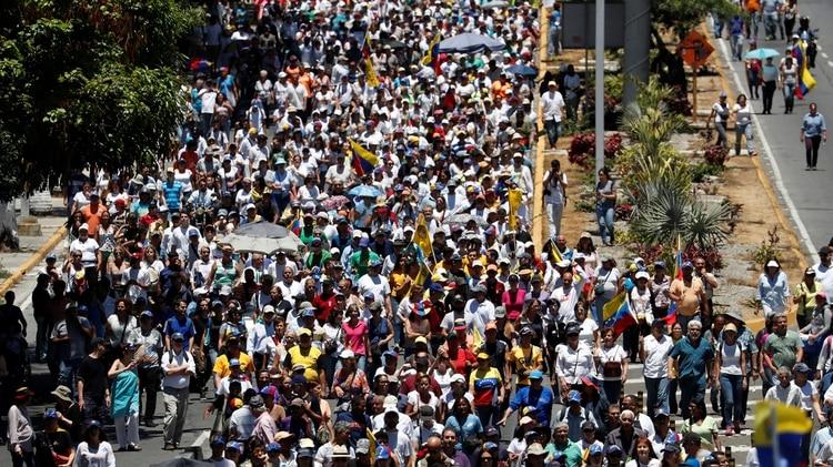 La marcha en Venezuela contra los apagones (REUTERS/Carlos Garcia Rawlins)