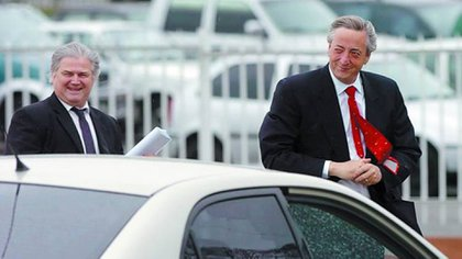 Daniel Muñoz escolta a Néstor Kichner. Fue su secretario y hombre de confianza