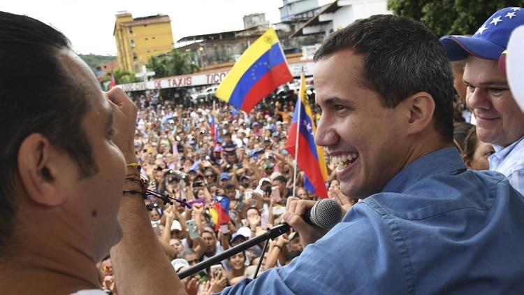 Juan Guaidó en Socopó, estado venezolano de Barinas, el 1 de junio de 2019 (Photo by Yuri CORTEZ/AFP)