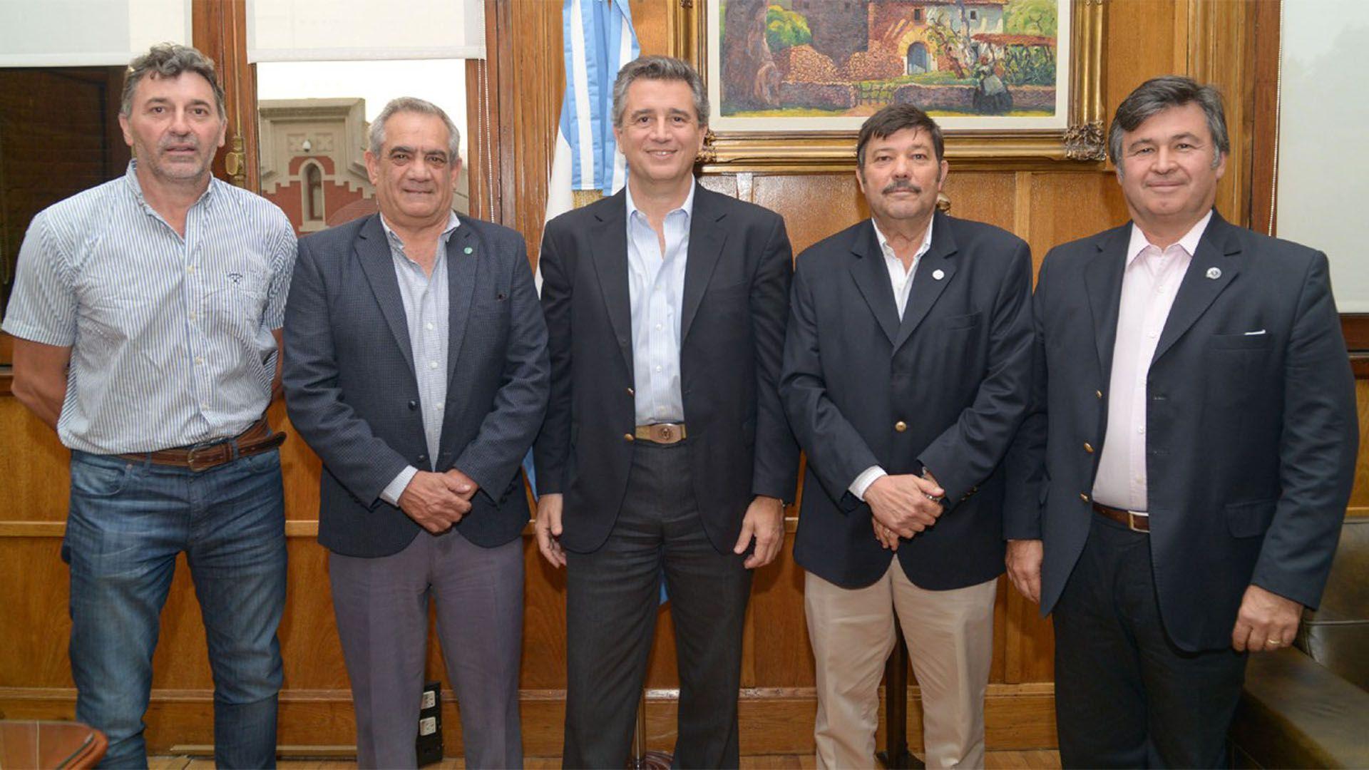 La Mesa de Enlace junto a Luis Etchevehere,ministro de Agroindustria