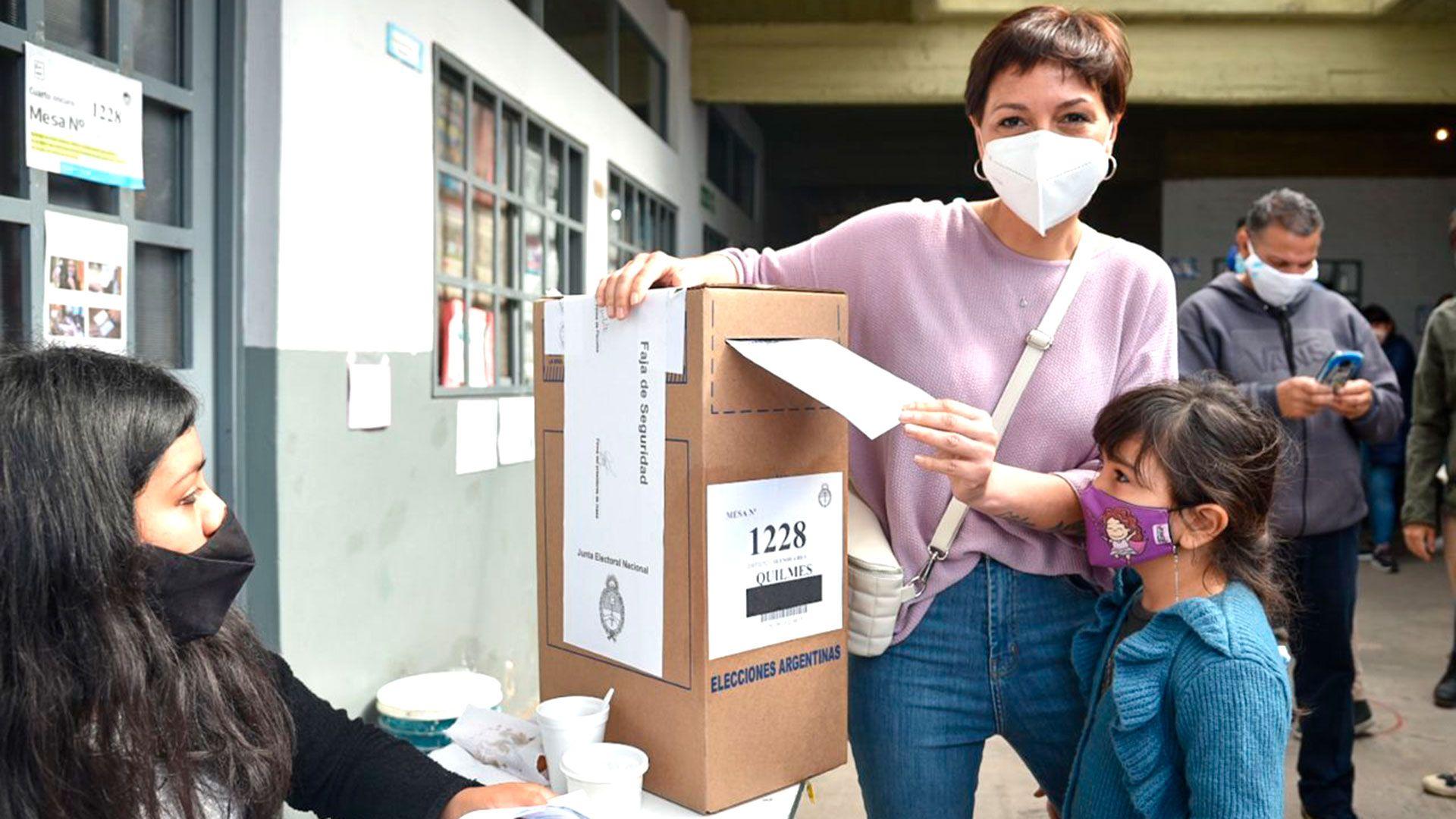 Mayra-Mendoza-Elecciones-Legislativas-paso-2021