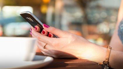 Una de las recomendaciones para hacer el registro por medio del móvil es no utilizar correo de hotmail. (Foto;  Pixabay)
