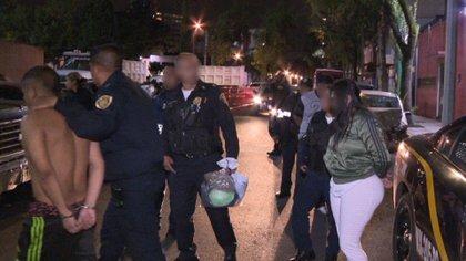La policía detuvo a tres personas por presunta participación en los asesinatos (Foto: Twitter)