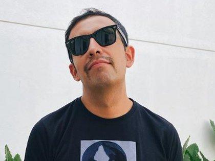 """""""El Capi"""" Pérez se tomó con muy buen humor algunas imágenes que le enviaron luego de darse a conocer que tiene COVID-19 (IG: elcapiperez)"""